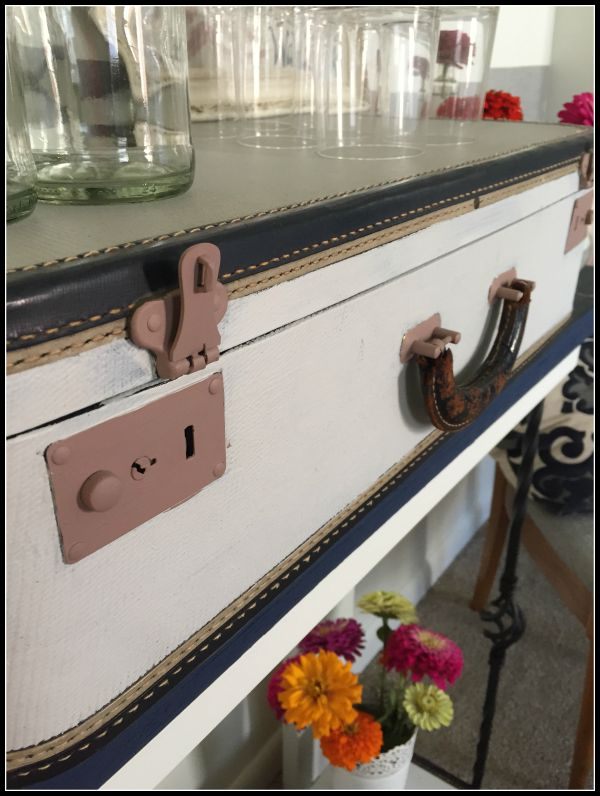 damask paint for metal locks on entertainment stand