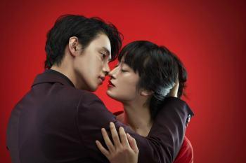 """【日劇】是她?獻上「致命之吻」的角色公開~ 門脇麥將於每週以""""毒吻""""殺死山崎賢人。"""