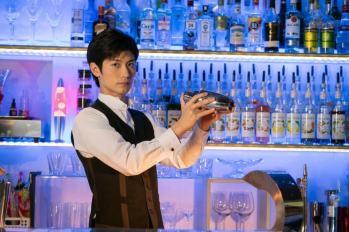 【日劇】三浦春馬挑戰失憶調酒師角色~ 東野圭吾原作「瀕死之眼」確定日劇化。
