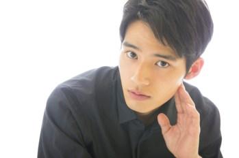 """【日娛】""""超級新星""""岡田健史接受日媒訪問,公開自己對2019年的展望「要比18年更上一層樓」~"""