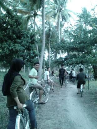 Jalanan Tanjung Barat Tidung