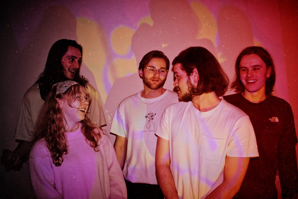 Lady Hail Psych-Rock Revival With 'Tender Hearted Woman' Debut
