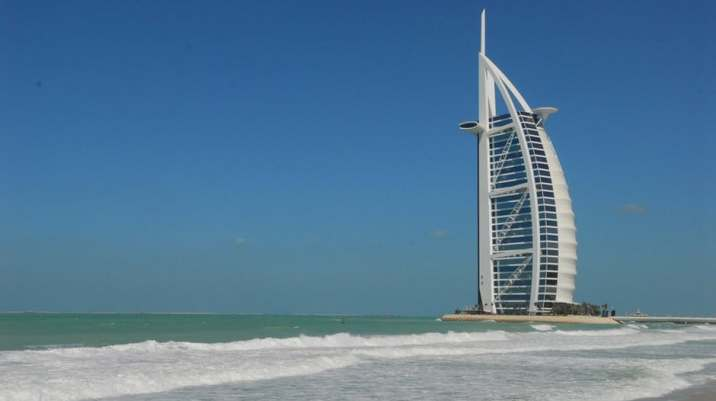 How expats living in the UAE can make free international calls thumbnail