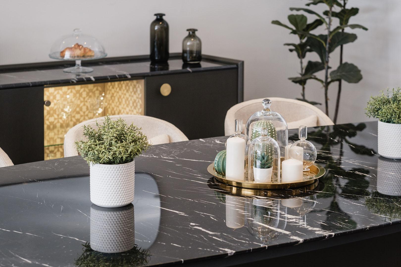Lazurde dining - Pinocchio furniture