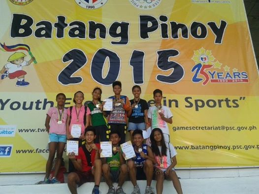 DLSU Dasmarinas Team with certificates at the 2015 Batang Pinoy