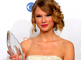 Taylor Swift at People's Choice Award