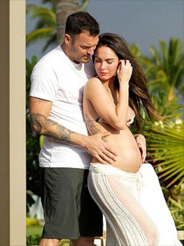 Megan Fox Baby Bump Photo with Brian Austin Green