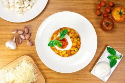 gnoquis-al-pomodoro-pinsa-di-roma