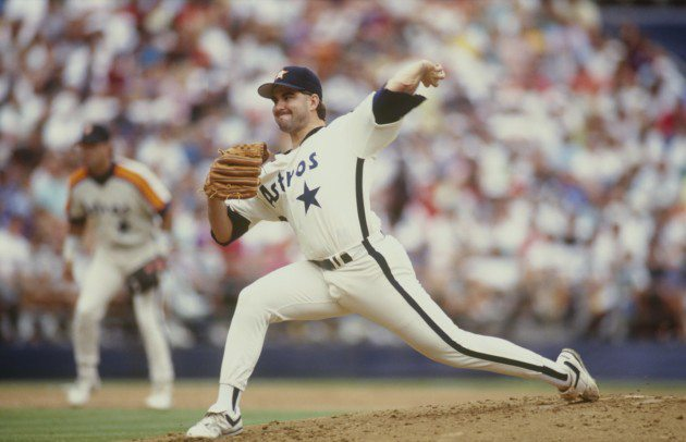Butch Henry pitching for the Houston Astros in 1992. (Stephen Dunn/Getty Images)