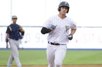 Drew Bridges rounding the bases (Robert M Pimpsner)