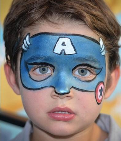 mascara azul niño