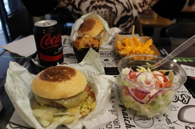 east-231-street_restaurant (2)