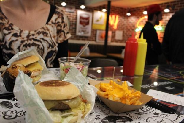 east-231-street_restaurant (7)