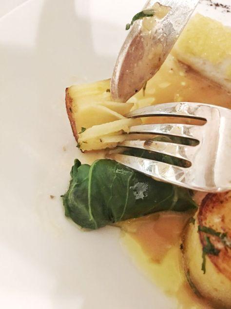 Filet de sole aux blettes et Noilly Prat, Choux Pac Choï, pistache et citron confit,pomme de terre meunière