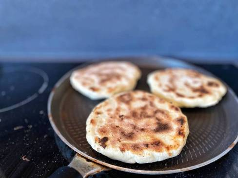 cheese-Naans