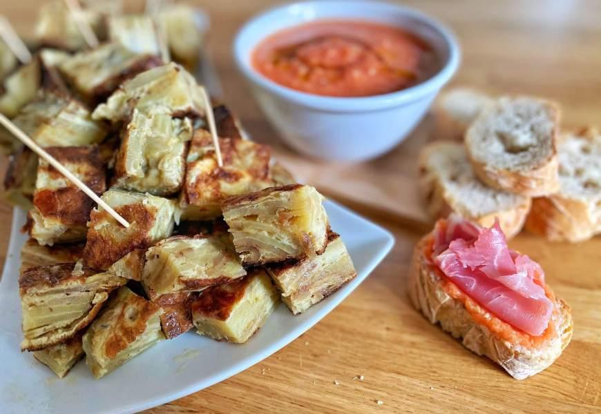 RECETTE // Tortilla de patatas, patatas bravas et pan con tomate comme à Barcelone