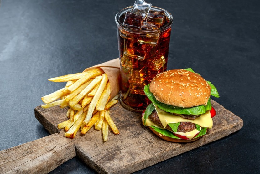 Perbedaan Junk Food dan Fast Food