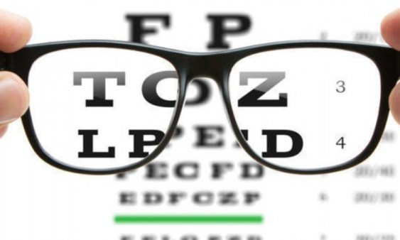 8 Cara Mengurangi Mata Minus yang Baik dan Efektif