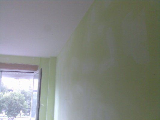Plastico Color Verde en Salon Canillejas (1)
