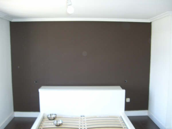 DORMITORIO PINTADO CON PLASTICO COLOR WENGUE