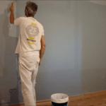 Aplicando esmalte pymacril color azul grisacio 4