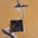 Instalación de grapas en rajas (2)