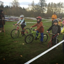 8 year old race on the start