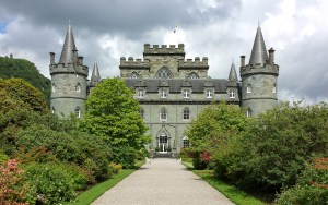 Inveraray_Castle_-_south-west_facade