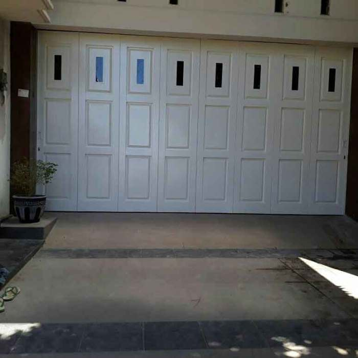Pintu Garasi Besi Jember