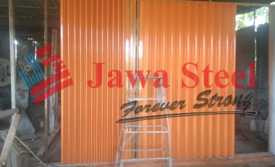 pemasangan pintu harmonika di Kupang - NTT