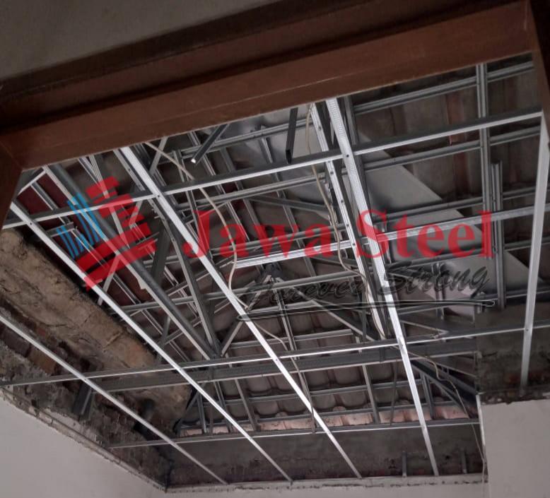 Pekerjaan plafon rumah villa vallensia