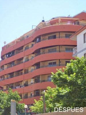 fachada de edificio pintada en lloret