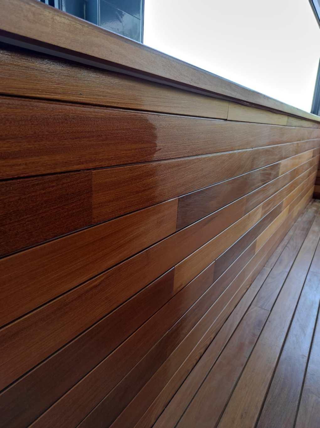 pìntado madera de teca
