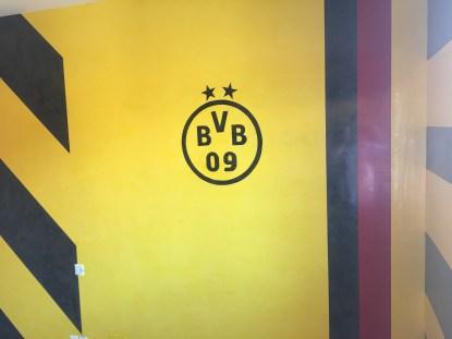 Estuco Veneciano Original a rayas amarillas y negras Borussia Dortmund - Terminado dia (12)