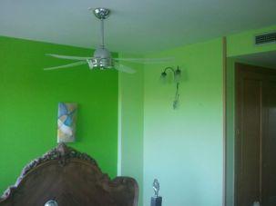 dormitorio verde oscuro y verde claro 4