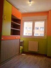Habitacion Infantil Plastico Sideral Naranja y Esmalte Valacryl color verde con mueble (6)