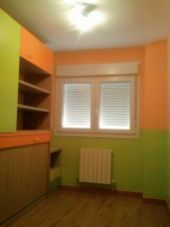 Habitacion Infantil Plastico Sideral Naranja y Esmalte Valacryl color verde con mueble (8)