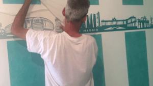 Instalando Vinilo Ciudad de Madrid 5