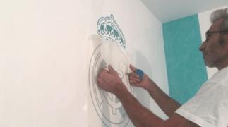 Instalando Vinilo Escudo Real Madrid 2