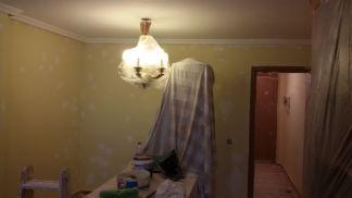 1ª mano de plastico y replastecido en techos y paredes (5)