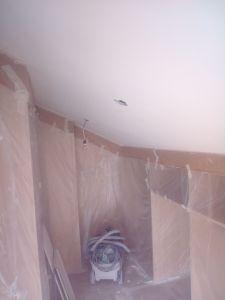 Aplicado 3 manos de Aguaplast en techo vestidor buhardilla (1)