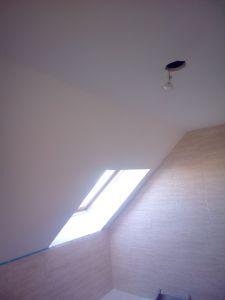 Aplicado 3 manos de Aguaplast en techo wc buhardilla (1)