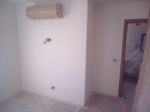 Aplicado 3 manos de Aguaplast en techo y paredes Dormitorio Principal (9)