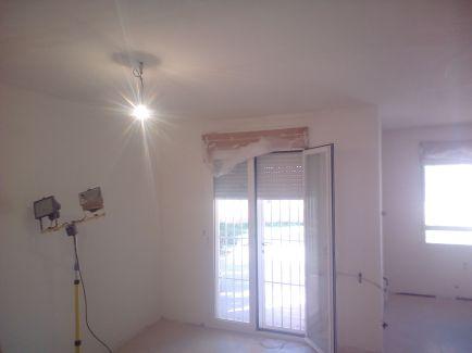 Aplicado 3 manos de Aguaplast en techo y paredes Salon (8)