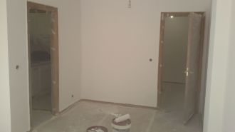 2 mano de plastico sideral s-500 blanco en paredes (12)