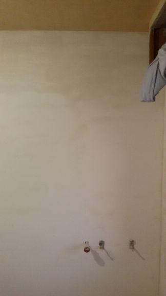Aplicado 3ª mano de aguaplast fino en paredes dormitorio (4)