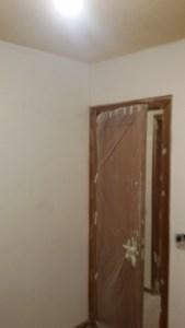 Aplicado 3ª mano de aguaplast fino en paredes habitacion 1 (4)