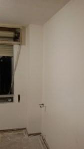 Aplicado 3ª mano de aguaplast fino en paredes habitacion 2 (2)