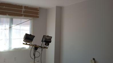 1 mano de plastico sideral color gris en paredes (3)