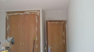1 mano de plastico sideral color gris en paredes (6)